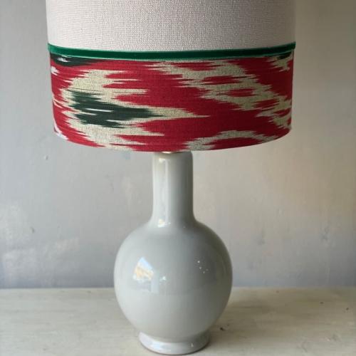 lampara ceramica lino y ikat rojo